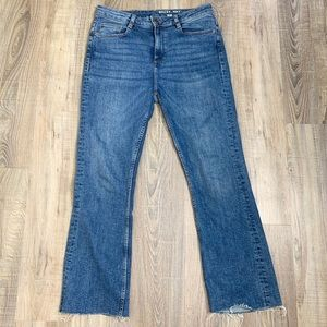 Noisy May Cropped Flare Jeans.